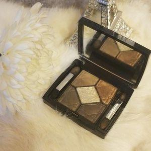 🌸Like New DIOR 5 Colors Eyeshadow Pallete🌸